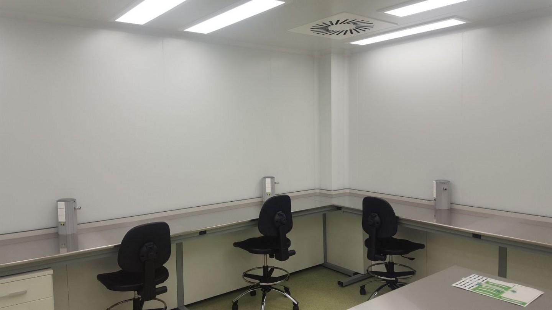 Instalaciones de ingeniería de laboratorio de fototrónica.